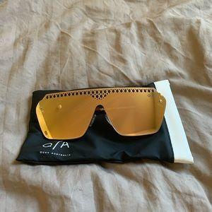QUAY Hall of Fame Rose Reflective Sunglasses